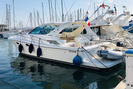 Uniesse 42 for sale in France for €130,000 (£109,629)