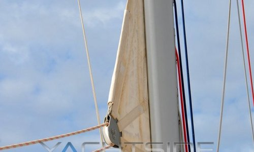 Image of Beneteau Oceanis 58 for sale in France for €339,500 (£291,361) France