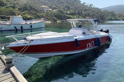 Donzi 35 ZF Cuddy for sale in France for €85,000 (£71,800)