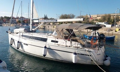 Image of Bavaria Yachts 37 Cruiser for sale in Greece for €99,000 ($108,754) Lavrion, , Greece