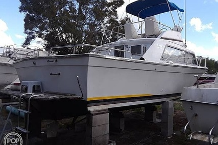 Luhrs 31 Convertible for sale in United States of America for $15,999 (£12,237)