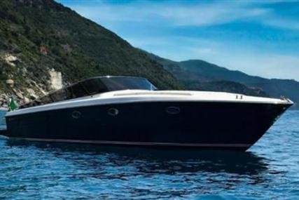 Itama 40 for sale in Spain for €300,000 (£256,016)