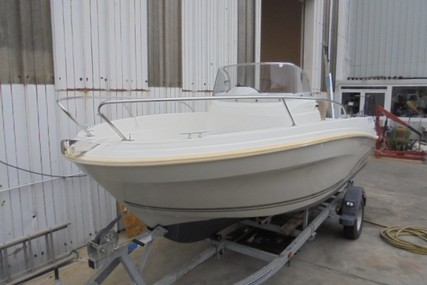 Jeanneau Cap Camarat 5.5 CC serie 2 for sale in France for €15,500 (£13,064)