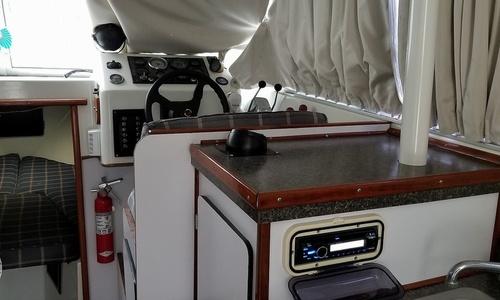 Image of Silverton 28 Sedan for sale in United States of America for $19,950 (£15,527) Houma, Louisiana, United States of America