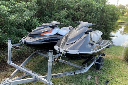 Yamaha 2013  VX Deluxe and & 2012 Sea Doo GTI SE for sale in United States of America for $15,650 (£12,605)