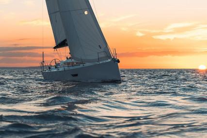 Elan E4 for charter in Croatia from €1,500 / week