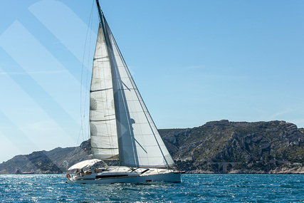 Beneteau Oceanis 55 for charter in France from €4,700 / week