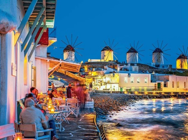 Cruising in Syros Mykonos