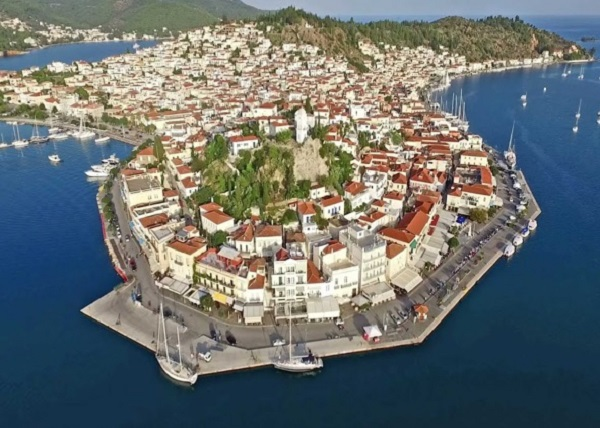 Cruising in Hydra Poros