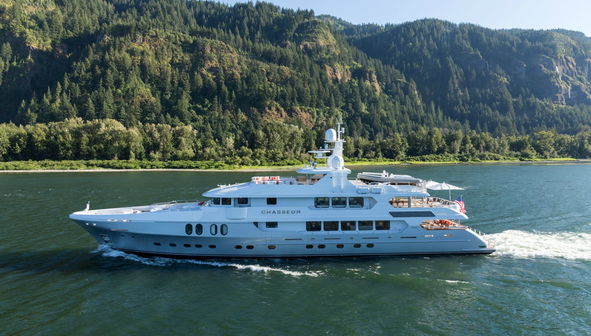 Chasseur Superyacht
