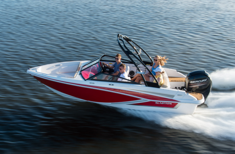 Glastron GT 180 Boat